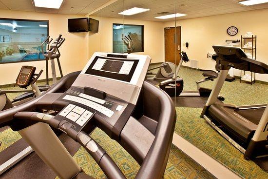 Holiday Inn Express Waterloo Fitness Center