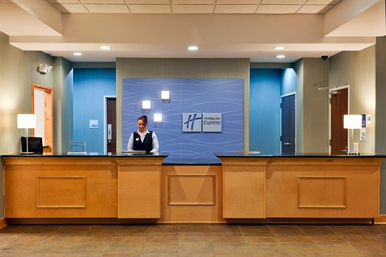 Fairburn, Gürcistan: Front Desk