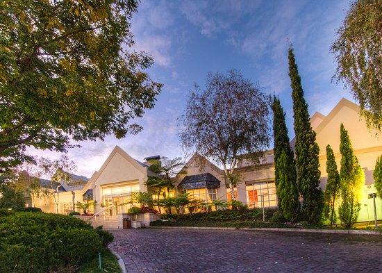 City Lodge Hotel Sandton Morningside: Exterior