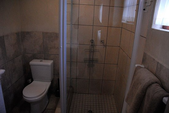 Humansdorp Hotel: Small but functional. Great shower