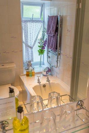 Boscastle, UK: Forrabury en-suite bathroom