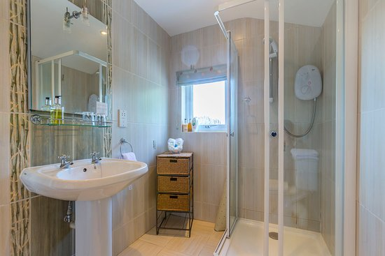Boscastle, UK: Minster en-suite shower room