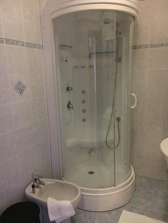 Cabina doccia con bagno turco tripadvisor for Affitti cabina cabina resort pinecrest