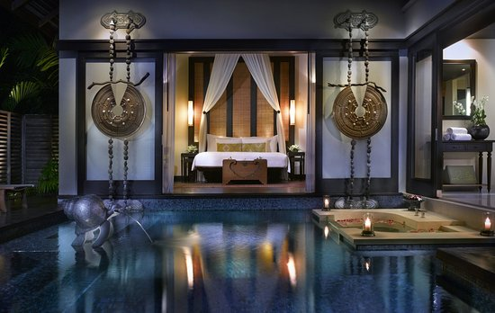 Anantara Mai Khao Phuket Villas: Pool Villa At Night