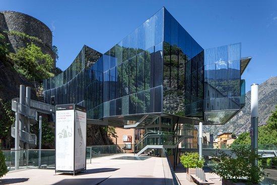 Escaldes-Engordany, Andorre : Artalroc (Sala d'exposiciones del Govierno / Salle d'expositions du Gouvernement)