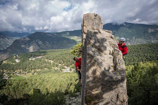 Escaldes-Engordany, Andorre : Escalada en Les Agulles d'Engolasters / Escalade à Les Agulles d'Engolasters