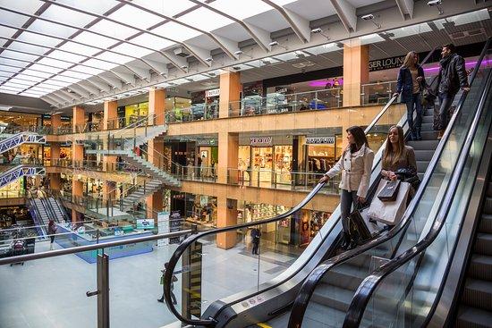 Centro comercial illa carlemany centre commercial illa - Centre comercial la illa ...