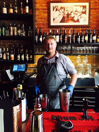 Decatur, GA: Our bartender