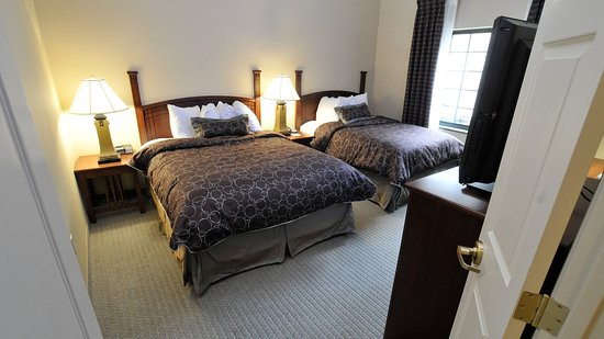 Clarence, NY: One bedroom suite Two double beds