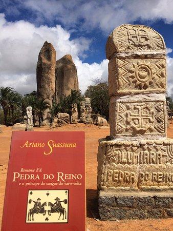 Sao Jose Do Belmonte, PE: O romance e a Pedra.