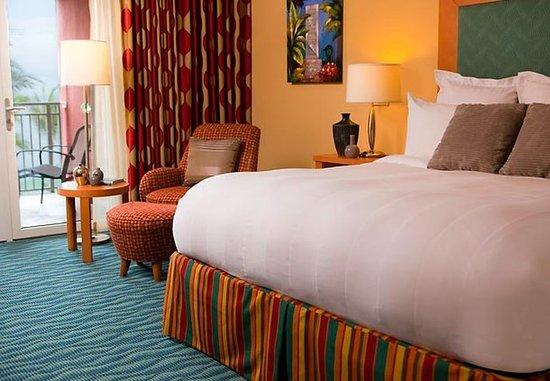Renaissance Curacao Resort & Casino: King Ocean View Guest Room