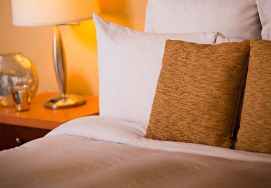 Renaissance Curacao Resort & Casino: Interior King Guest Room