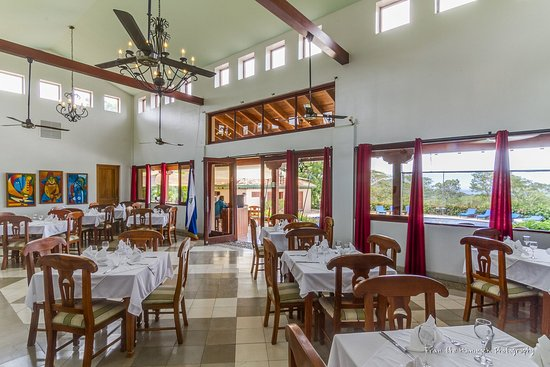 Villas de Palermo Hotel & Resort: Eat-in kitchen with granite counter tops and stainless appliances