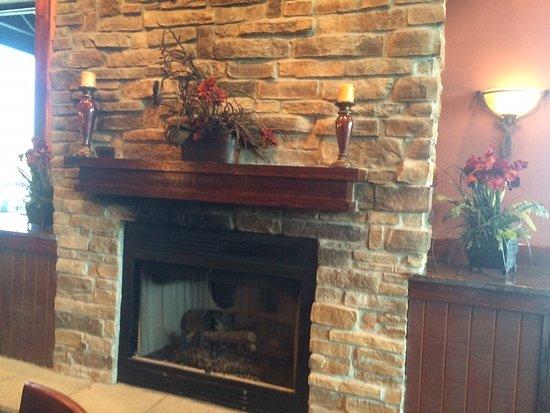 Brick Street Bar & Grille: Fireplace