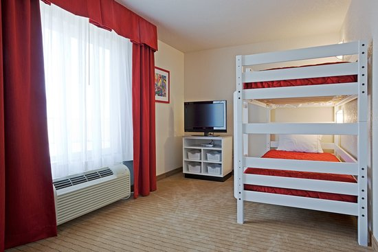 Holiday Inn Express & Suites Antigo Kids Suite