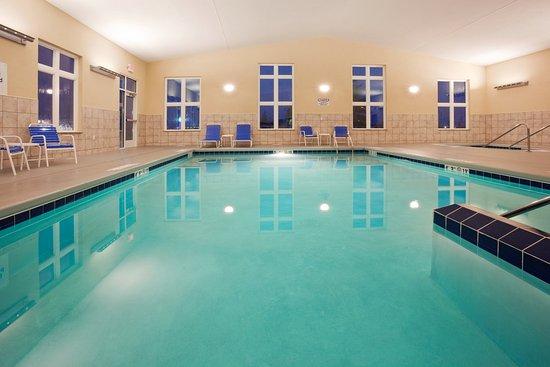 Antigo, Wisconsin: Holiday Inn Express & Suites Antigo  Swimming Pool