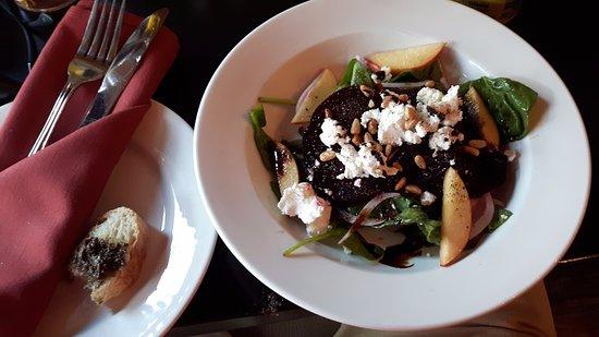 เซนต์แคทเทอรีนส์, แคนาดา: Our salad