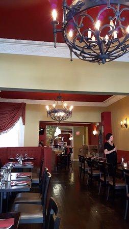 เซนต์แคทเทอรีนส์, แคนาดา: Inside the restaurant