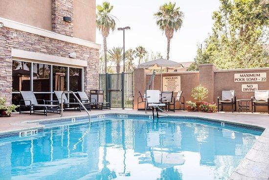 azure hotel suites ontario airport updated 2017 prices. Black Bedroom Furniture Sets. Home Design Ideas