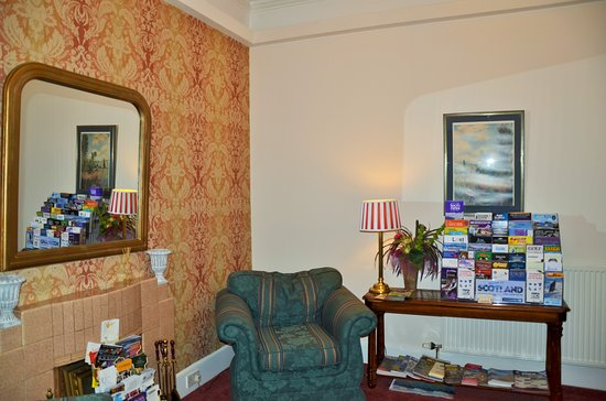 Aberfeldy Lodge Guest House: Guest Lounge