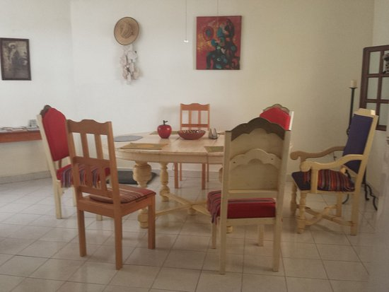 Beachouse Dive Hostel Cozumel: Living Room and Meeting point