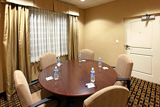 Crestview, FL: Our conference room is great for corporate meetings.