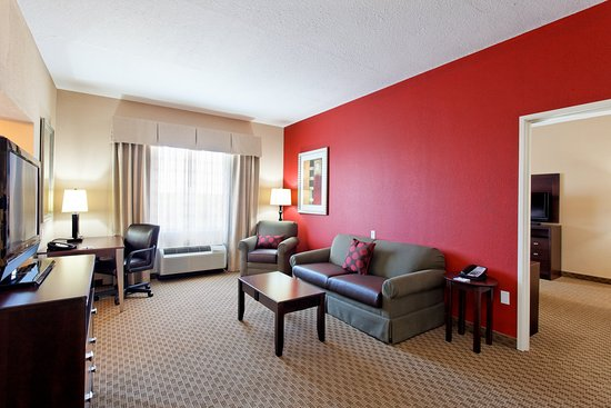 Holiday Inn Express & Suites Crestview-Living Room Executive Suite