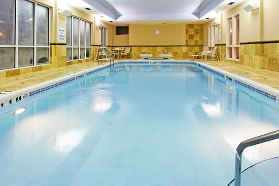 Crestview, FL: Our beautiful indoor pool and whirlpool are open rain or shine!