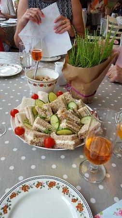 Crediton, UK : Good start to afternoon tea