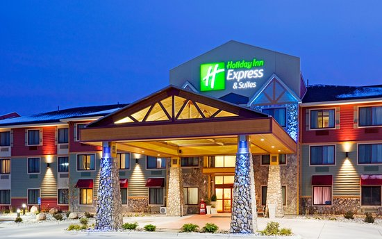 Holiday Inn Express Suites Mountain Iron: Hotel Exterior