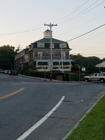 Jamestown RI Wyndham Bay Voyage Inn