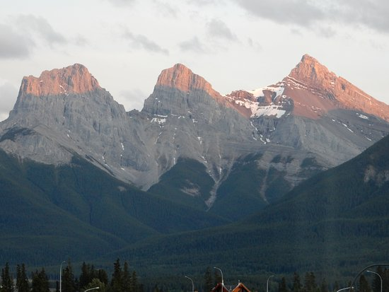 Holiday Inn Canmore: The Three Sisters as seen from our hotel room