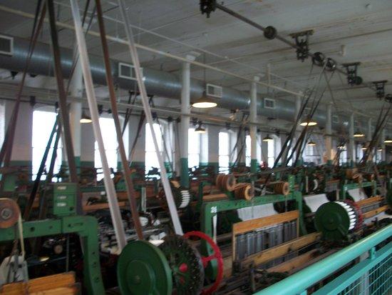 Boott Cotton Mills Museum: Boott Cotton Mills-these machines still run and make cloth