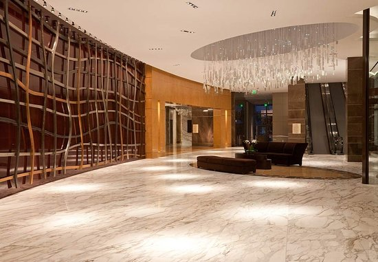 JW Marriott Marquis Miami: Grand Lobby