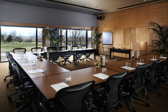 Englewood, CO: Inverness_Meeting_Boardroom