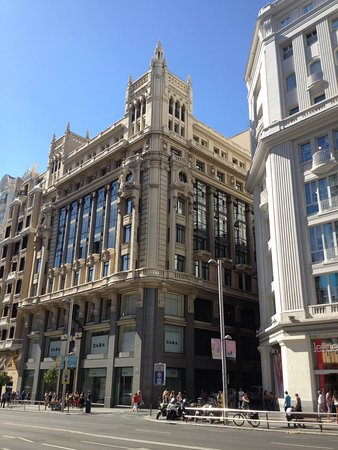 0214e1dc Tryp Madrid Cibeles Hotel: Tryp Cibeles front - Zara below, 5 floors of  Primark