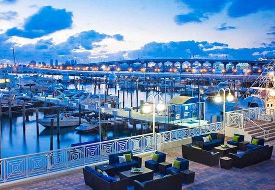 Miami Marriott Biscayne Bay: Marina Terrace