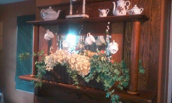 DuQuoin, إلينوي: the fireplace mantle
