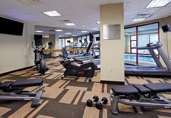Lyndhurst, NJ: Fitness Center