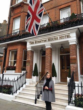 Egerton House Hotel: Façade de l'hôtel - Très beau quartier