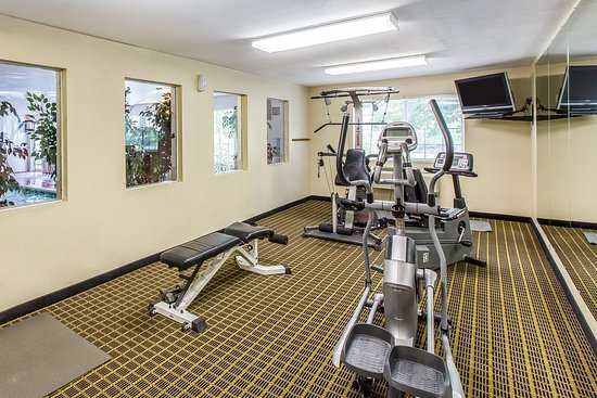 Quality Inn & Suites On The River: Fitness center