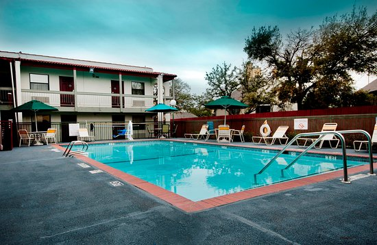 Red Roof Inn Dallas-Richardson: Pool