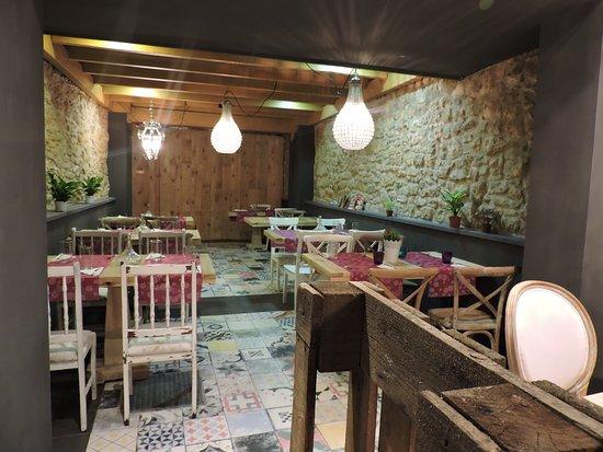Comedor: fotografía de Antojos del Antiguo, Oviedo - TripAdvisor