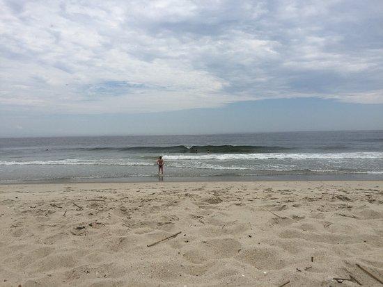 Sea Bright, NJ: Smuk badestrand - vand 24 grader