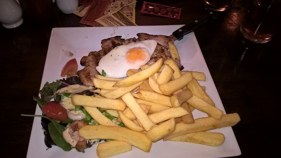 Studley, UK: Gammon, egg, chips and salad.