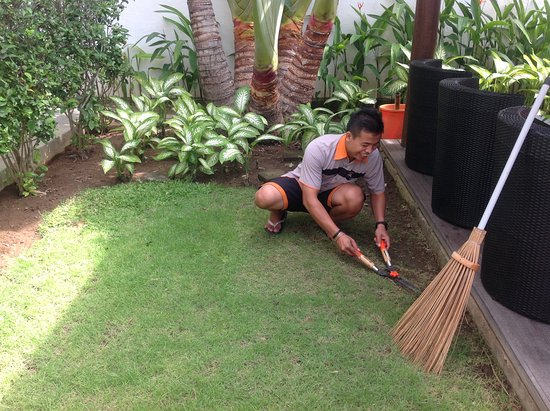 Bali Yarravillas: Komang busy as usual