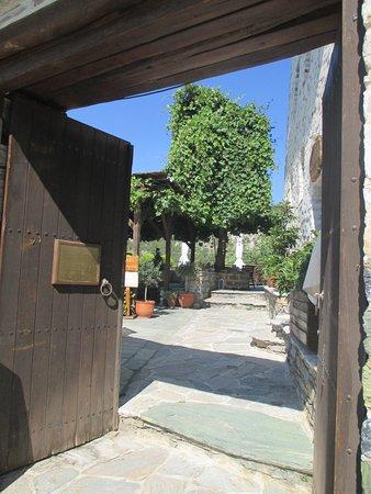 Makrinitsa, Grecia: Entrance