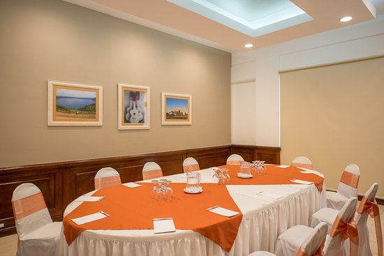 Globales Camino Real: Meeting Room
