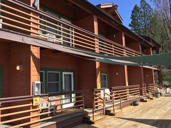 Bass Lake, Califórnia: Lakeside Suites