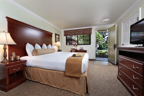 Paso Robles Inn: King Traditional Guest Room